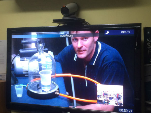 Fizzics boiling water demo in video conference