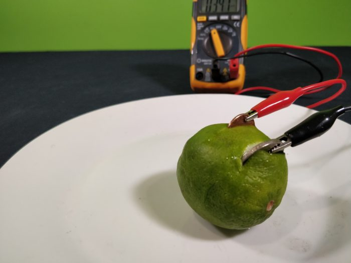 A simple Homemade Lemon Battery - measure voltage with a multimeter