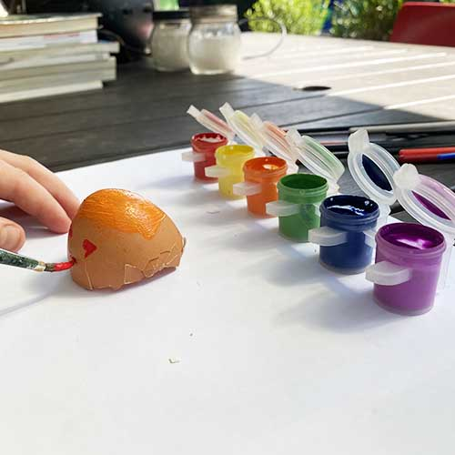 Painting eggshells with craft paint